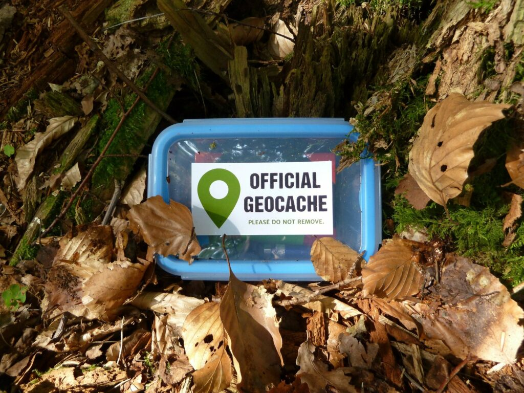 Une chasse aux trésors dans la nature : le géocaching